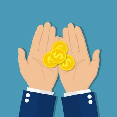 63670883 monnaies en main argent en main le concept d aumone de charite donne recevoir donner prendre demander